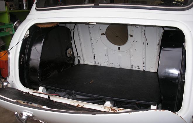 boot board Morris Cooper S white 2.jpg