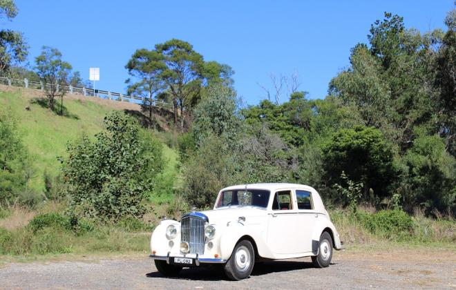 For sale - 1951 Bentley Mark VI Mark 6 White southern highlands NSW (25).JPG