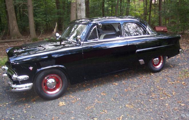 For sale - 1954 Ford 2-door sedan hot rod VA USA (1).jpg