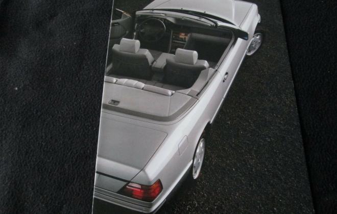 Mercedes E320 abriolet brochure (4).jpg