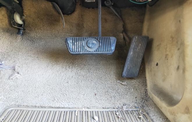 XE Fairmont Ghia carpet creme.jpg