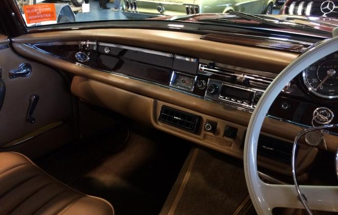for sale 1963 Mercedes W111 230 SE coupe interior creme  (6).JPG
