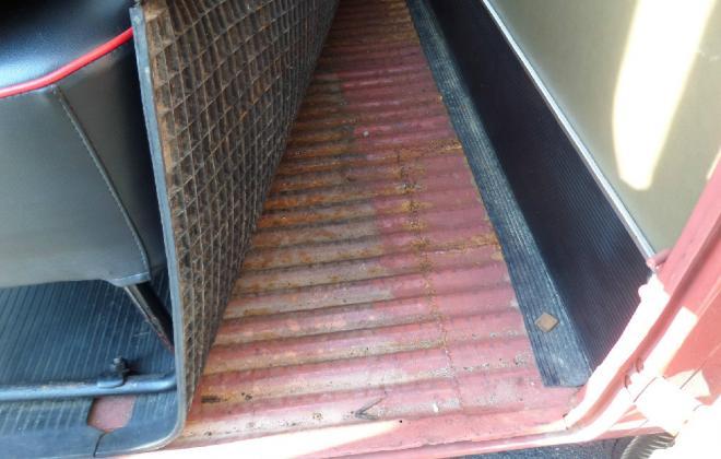 rubber matting and trim vw deluxe samba bus m icrobus.jpg