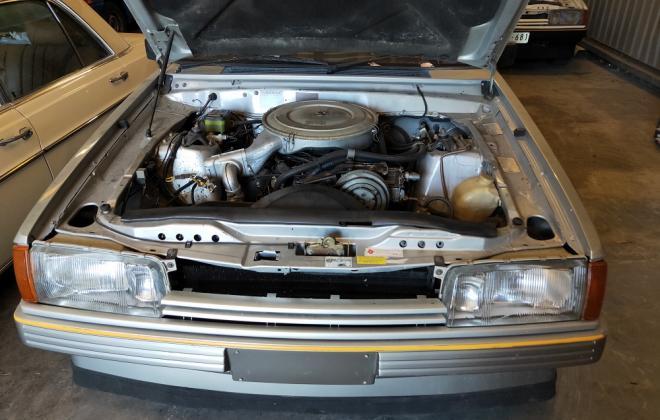 z 1982 XE ESP engine 4.9 302 images classicregister.com (3).jpg